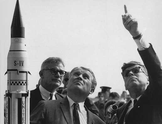 Wernher von Braun and JFK