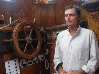 Reid Stowe praying aboard Anne