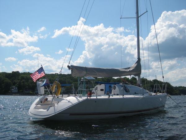 JOD 35 at anchor