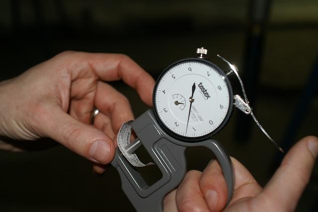 Micrometer for measuring sponge blast profile