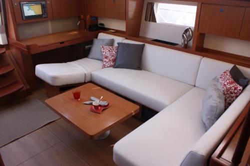 Beneteau Sense 50 interior