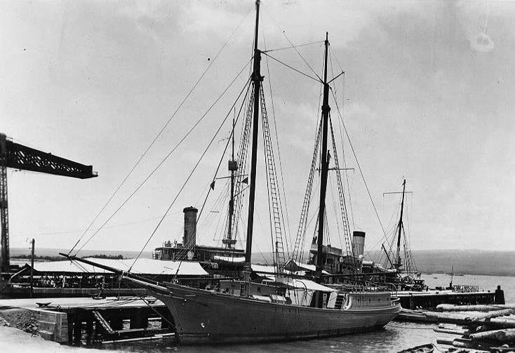 USS Lanikai at Pearl harbor in 1918