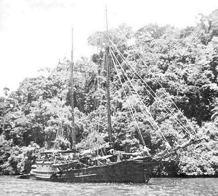 USS Lanikai at anchor