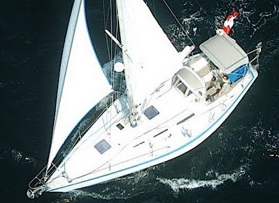 Wauquiez Pretorien under sail