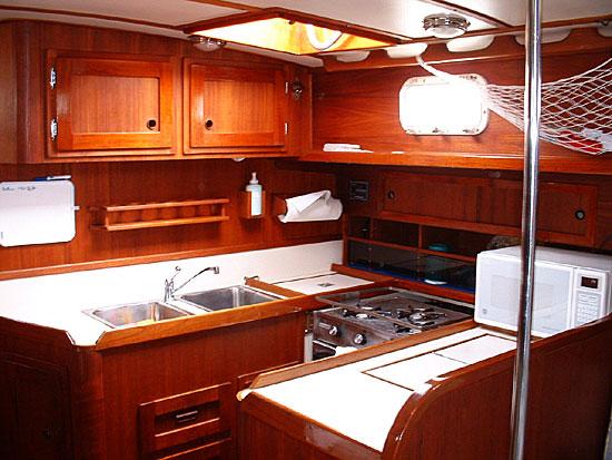 Valiant 40 interior