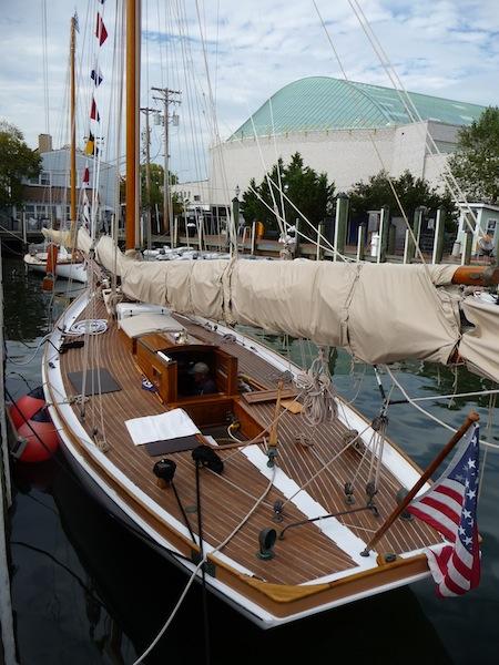 Racing yacht Elf (1888)