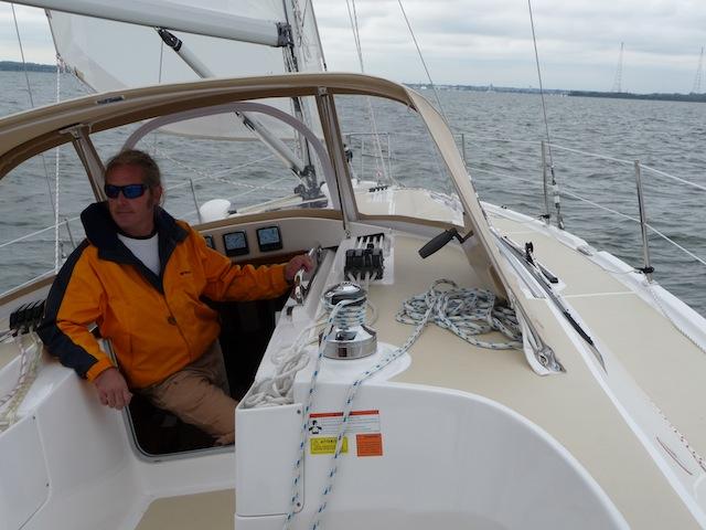 Hunter 40 under sail