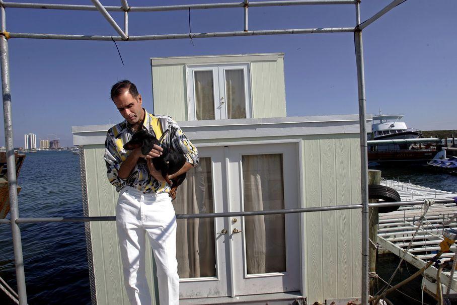 Fane Lozman at houseboat