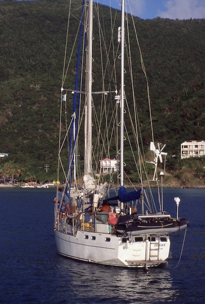 Top-heavy cruising sailboat