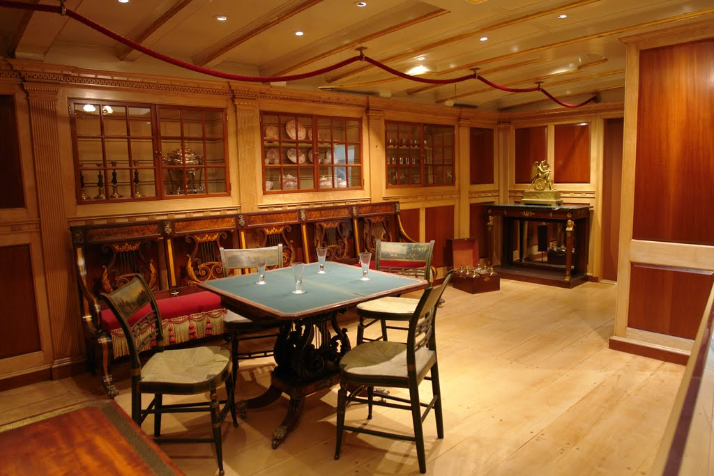 Cleo Barge interior