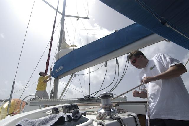 Halyard hoist at cockpit