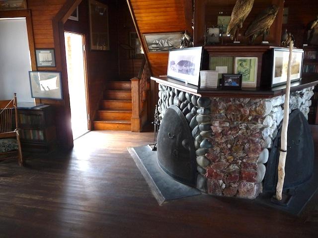 Eagle Is. living room