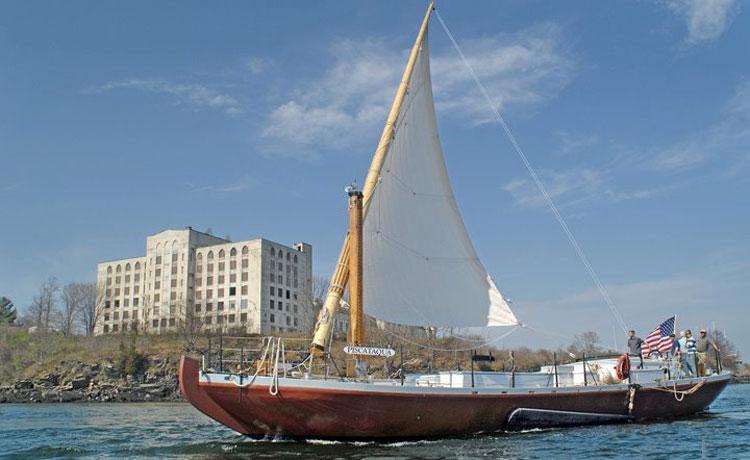 Gundalow sailing
