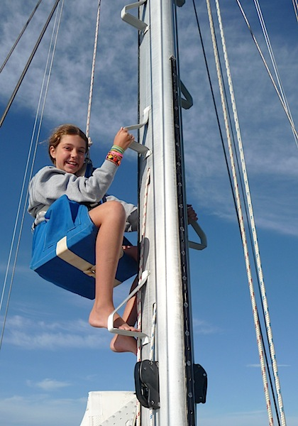 Lucy up mast