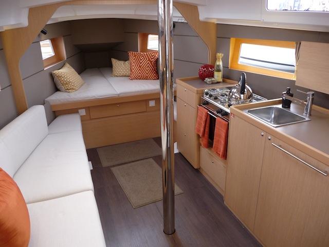 Oceanis 35 interior