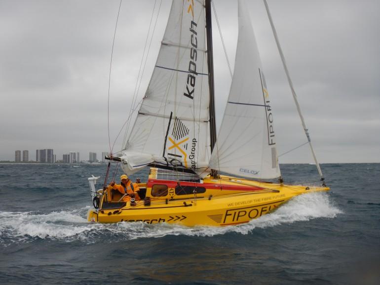 Open 16 under sail