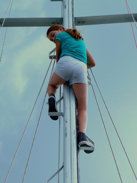 Climbing mast