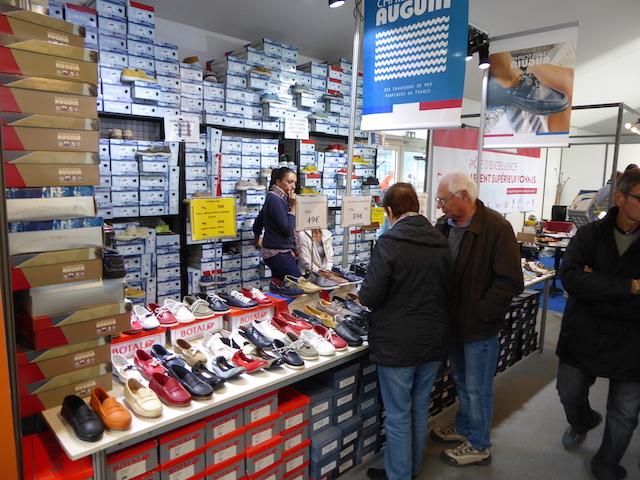 Lesser retail